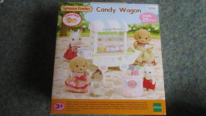 Sylvanian Families candy wagon review and Poodle Family giveaway - loopyloulaura