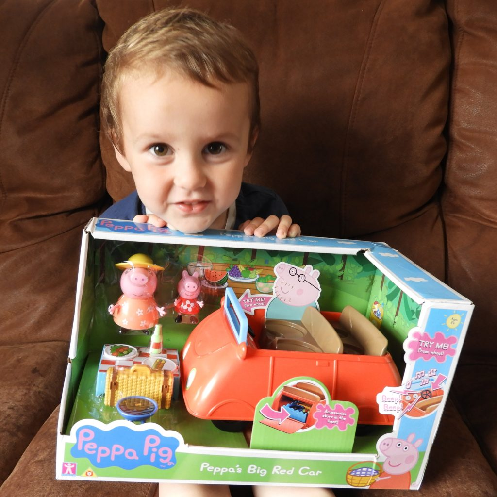 New Peppa Pig Peppa/'s Big Red Car With Sound /& Accessories