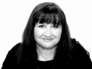 author Suzanne Kelman