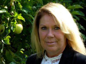 author Liz Lawler