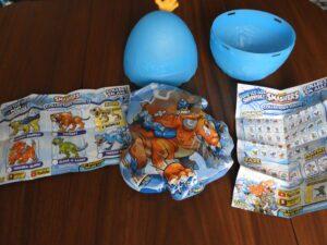 opened Zuru Smashers Dino egg